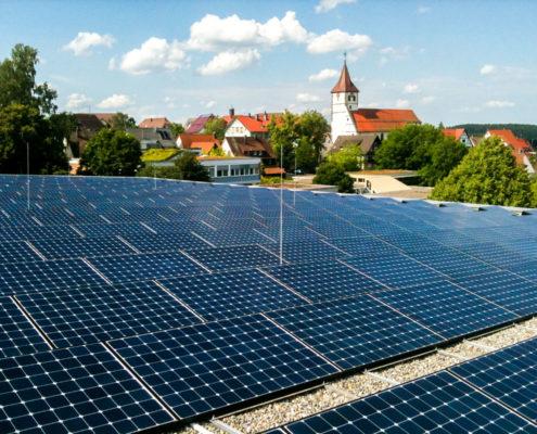 Photovoltaik Solaranlage – Die Bürgerbeteiligungsanlage Sporthalle in Dornhan erzeugt Solarstrom