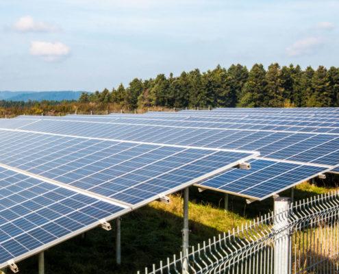 Photovoltaik Solaranlage – Bürgerbeteiligungsanlage Erddeponie in Peterzell erzeugt Solarstrom