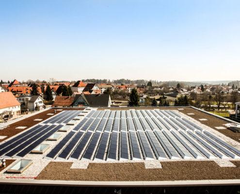 Photovoltaik Solaranlage – Die Sporthalle in Pfalzgrafenweiler erzeugt Solarstrom