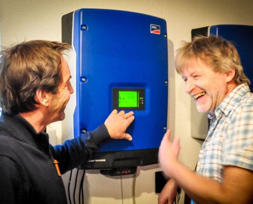 Inbetriebnahme von Solaranlage mit Batteriespeicher beim Kunden