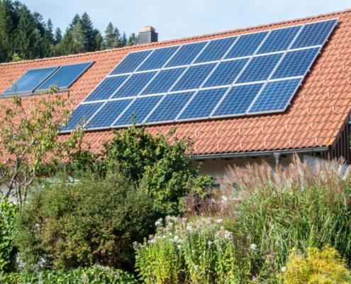 Photovoltaik Solaranlage – Privathaus in Alpirsbach erzeugt Solarstrom